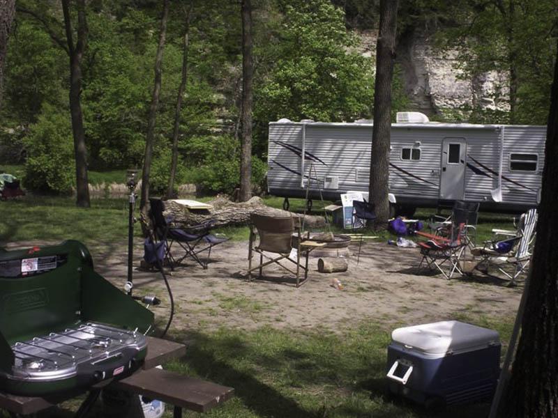 chimney-rocks-camping